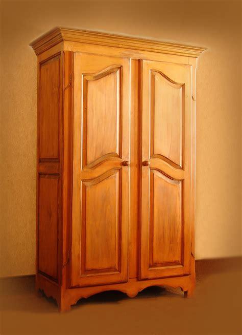 armoire chambre bois cuisine armoire en bois chaios armoires bois blanc