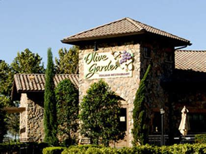 olive garden chicago il report olive garden to open restaurant in avondale 171 cbs