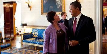 Valerie Jarrett tells of sipping martinis and gossiping with Obamas and briefcases full of Diamonds & Emeralds from the Saudi's…