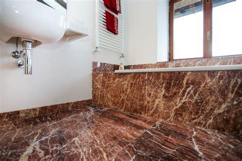 Rivestimenti Bagno In Marmo Pavimento E Rivestimento Bagno In Marmo Rosso Lagorai Pietre