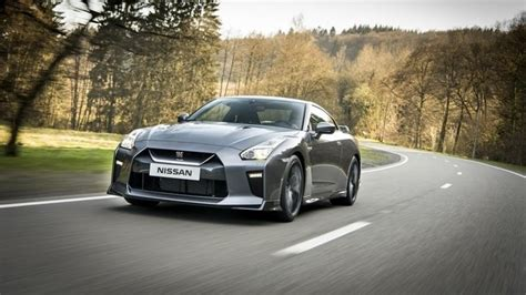 Affordable Nissan Gtr by 2018 Nissan Gt R Adds More Affordable Trim Level