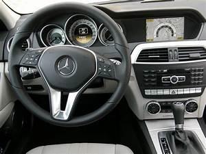 Mercedes Classe C Noir : essai mercedes classe c restyl e familiale exemplaire ~ Dallasstarsshop.com Idées de Décoration