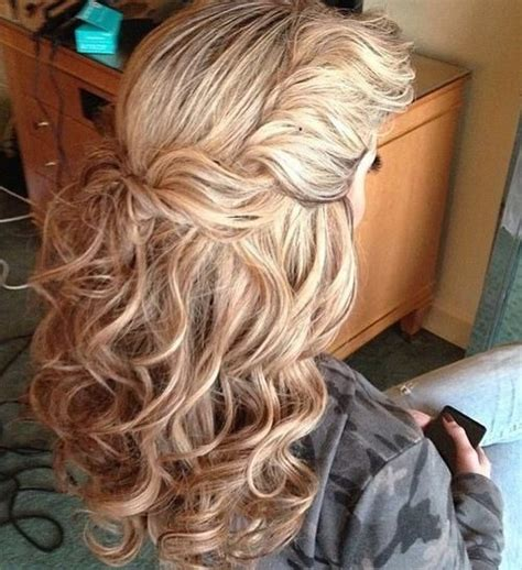 Wavy Half Updo Hairstyles by Chic Hairstyles For Thick And Wavy Hair 2019 Haircuts