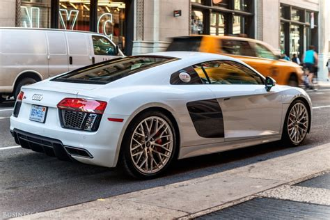 The Audi R10 V10 Is A Supercar For Everyday Life