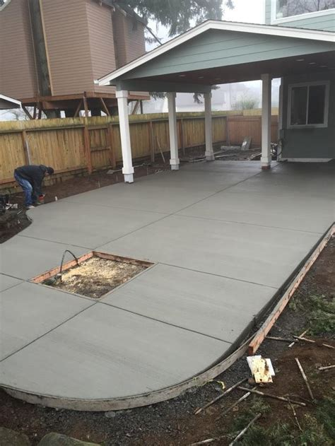 transitional patio in vancouver poured concrete patio
