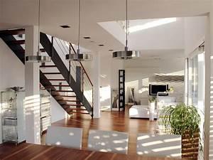 Haus Mit Galerie Im Wohnzimmer : offenes wohnen luftraum gerade treppe 2p ~ Orissabook.com Haus und Dekorationen