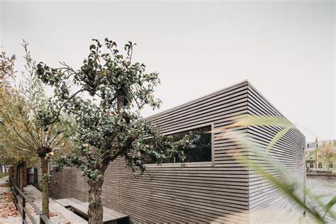 Energy Neutral Floating Villa 'haarlem Shuffle' / Vanommeren-architecten