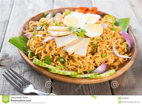maggi cuisine instant noodle stock photo image 39238268