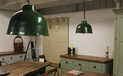 Industrial hanging light, pendant light fitting with a