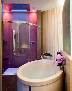 teenage girls bathroom with big rooms 16 room ideas for With small bathroom tile ideas for teens