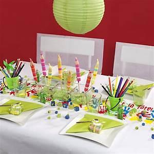 Deco Multicolore : chemin de table mains d 39 enfants multicolore ~ Nature-et-papiers.com Idées de Décoration