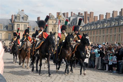 au bureau la garde la garde au guidon du 10 232 me escadron des chasseurs 224 cheval