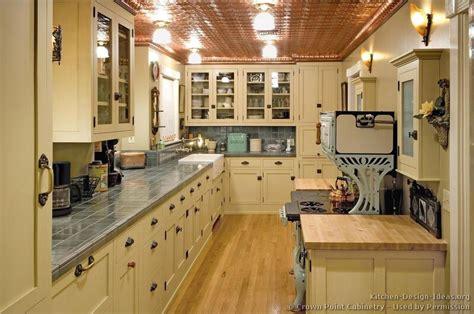 vintage kitchen design ideas vintage kitchen cabinets decor ideas and photos