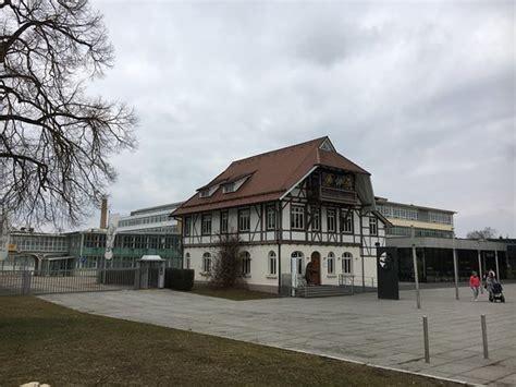 Altes Wohnhaus, heute Outletshop - Picture of Margarete ...