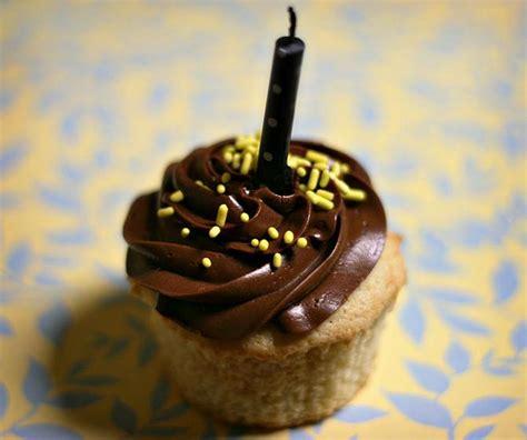 Amy Sedaris Vanilla Cupcakes With Whipped Chocolate