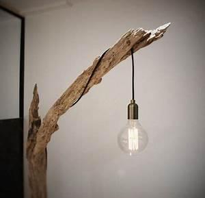 Luminaire En Bois Flotté : lampadaire bois flott provenant de la seine contrairement au bois flott de la mer qui est ~ Teatrodelosmanantiales.com Idées de Décoration