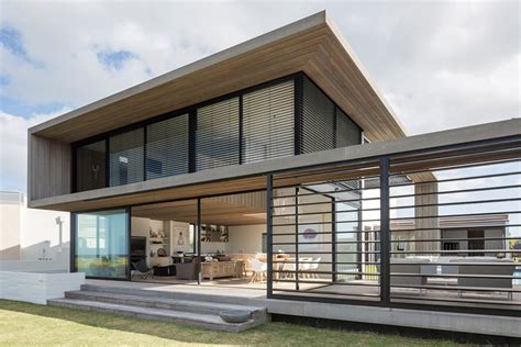 House For A Family In New Zealand by Home In Omaha New Zealand By Julian Guthrie