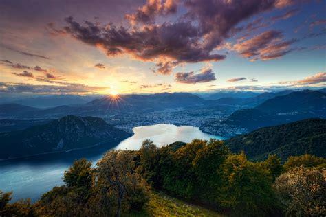 treno a cremagliera svizzera estate in svizzera immersione nella natura a piedi e in