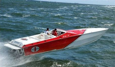 Vintage Offshore Boats by Enjoy The Thrill Of A 38 Foot Cigarette Offshore Raceboat
