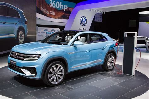 volkswagen cross coupe plug  hybrid concept mid size