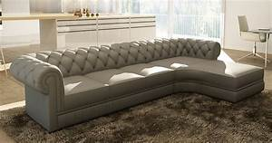 Deco in paris canape d angle gris capitonne chesterfield for Nettoyage tapis avec canape tv