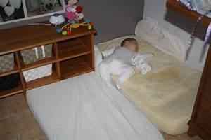 Lit Au Sol Pour Bébé : lit b b sans barreau montessori lit double ikea literie ~ Dallasstarsshop.com Idées de Décoration