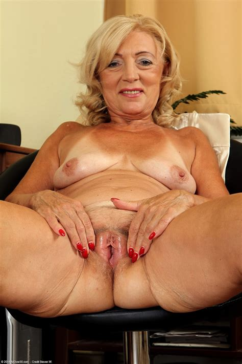 archive of old women granny mature set and vids
