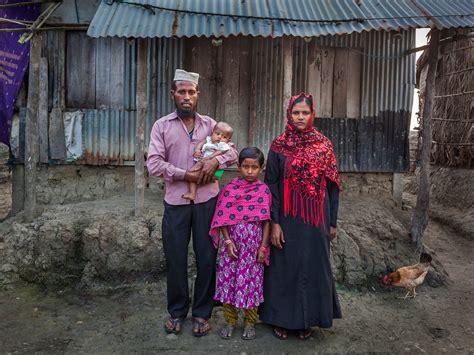 embedded photographer empowers  poor nytimescom