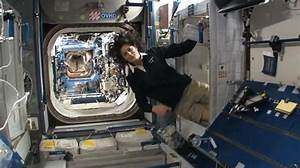 How astronauts live in the International Space Station