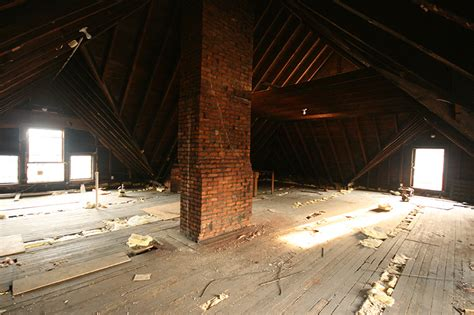 turning  victorian attic   retreat  custom home