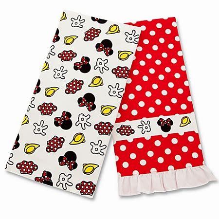 disney kitchen towels disney kitchen towel set minnie mouse