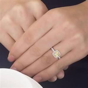 Carat Diamond Ring On Finger Carat Luxury Design Vfpn High ...