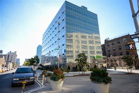 Garden City Island Ny Hotels by The Wyndham Garden In An Economic Hotel Near Manhattan