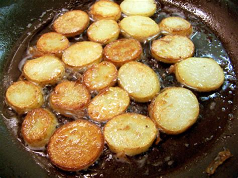 how to fry sliced potatoes how to fry sliced potatoes 28 images how to cook thinly sliced potatoes in a frying pan