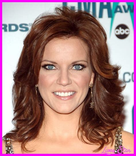 Different types of layered haircuts Martina mcbride