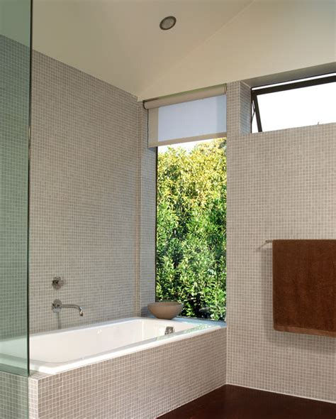 30 Different Styles Of Bathroom Windows  The House Of Grace