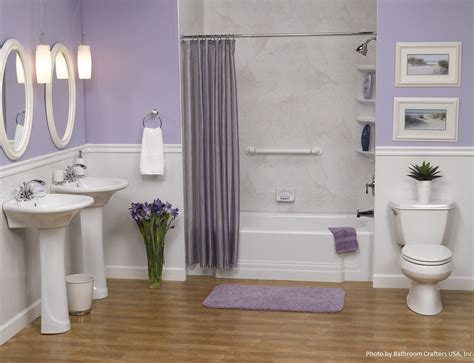 Purple Paint Colors For Bathrooms by Light Purple Linens Pair Well With A White Alcove Bathtub