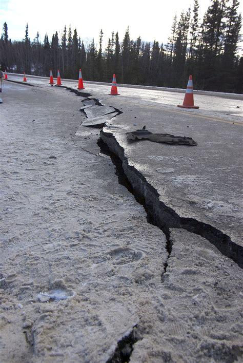 sundays earthquake wrecks roads  southcentral alaska