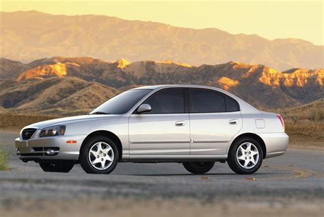2005 Hyundai Elantra Pictures, History, Value, Research