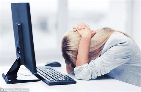 position au bureau high stress where employees freedom can