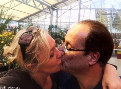 baiser sur le bureau photos le baiser de marine le pen et louis aliot sur