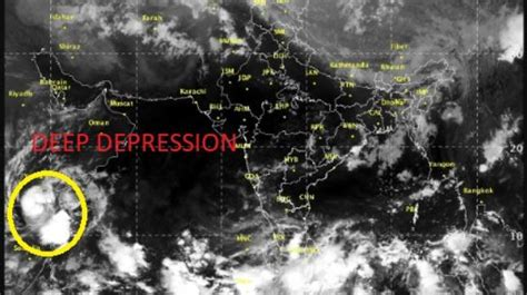 ports  gujarat  alert due  cyclone sagar india news
