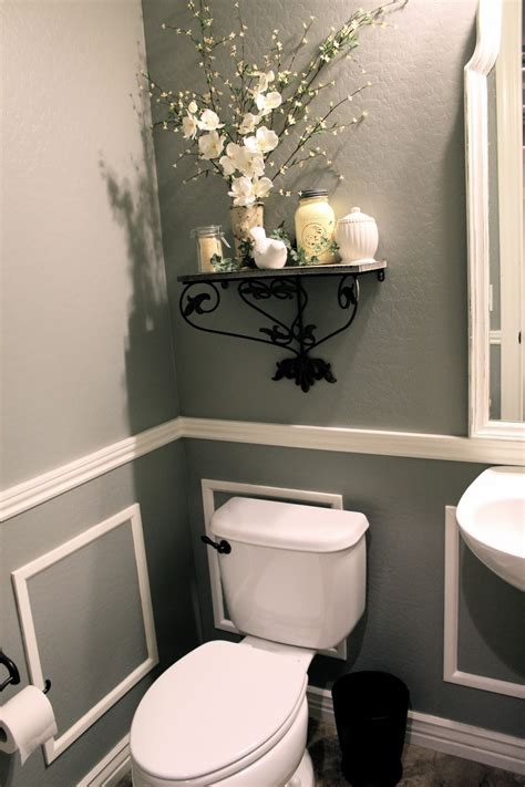 bit  paint thrifty thursday bathroom reveal