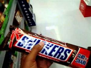 The biggest Snickers candy bar I've ever seen - YouTube