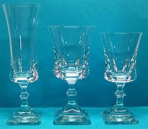 Service De Verre En Cristal : cristallerie royale de champagne bayel le verre le cristal et la p te de verre ~ Teatrodelosmanantiales.com Idées de Décoration