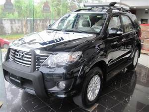 Auto Model 2012  2012 Toyota Fortuner 4x2 Manual