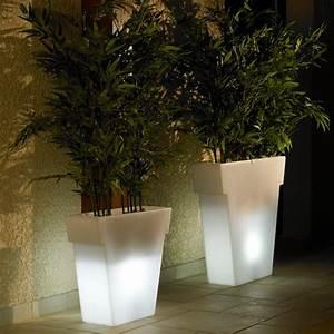 Tres Grand Pot De Fleur Exterieur : pot fleur lumineux interesting grand pot de fleur ~ Dailycaller-alerts.com Idées de Décoration