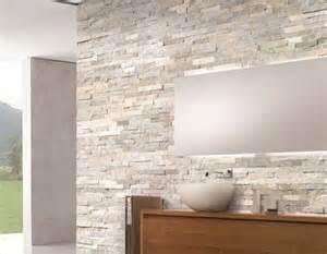 Fotos bagni pareti pietra naturale