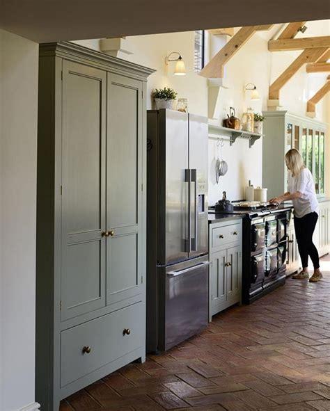 slab kitchen cabinets 25 best ideas about green granite kitchen on 2296