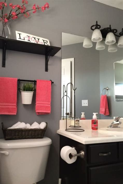How To Decorate Small Bathroom by 3 Tips Add Style To A Small Bathroom Diy Home Decor